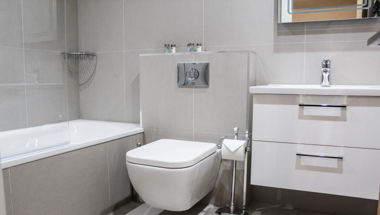 Bathroom at the Flying Butler West Finchley Apartments - Citybase Apartments