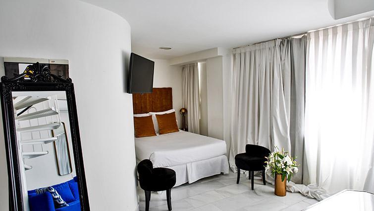 Duplex bedroom at 11th Principe Apartments - Citybase Apartments