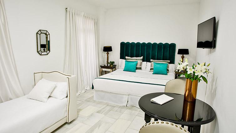 Luxury bedroom at 11th Principe Apartments - Citybase Apartments