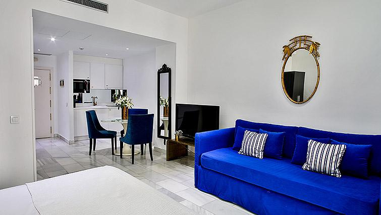 Modern bathroom at11th Principe Apartments - Citybase Apartments