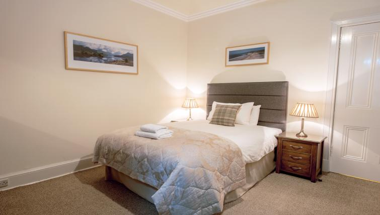 Bedroom at the Pentland Apartment - Citybase Apartments