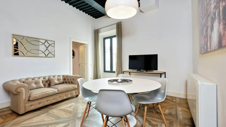 Lounge at 10 Del Basilico Apartment - Citybase Apartments