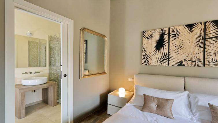 Bedroom decor at 10 Del Basilico Apartment - Citybase Apartments