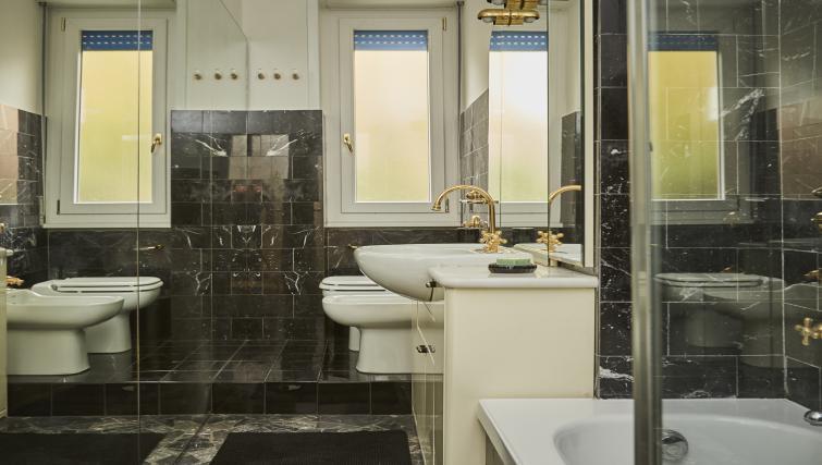 Bathroom at Papiniano Apartment - Citybase Apartments