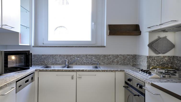 Kitchen at Olmetto Apartment - Citybase Apartments