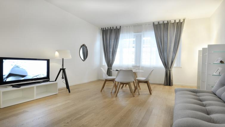 Living area at Olmetto Apartment - Citybase Apartments
