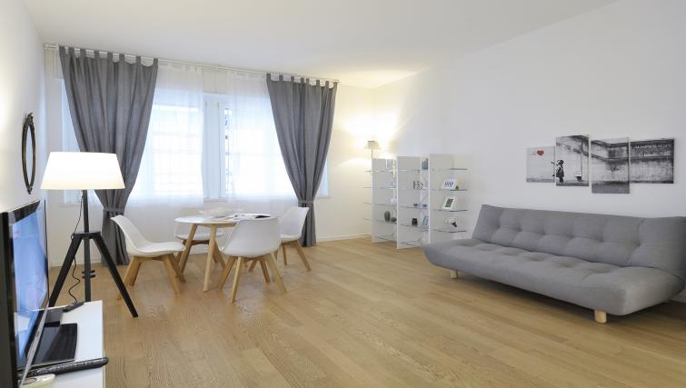 Spacious living area at Olmetto Apartment - Citybase Apartments