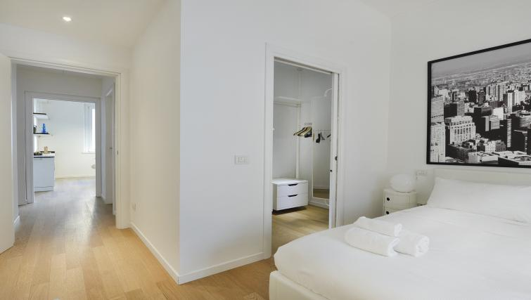 Bed at Olmetto Apartment - Citybase Apartments