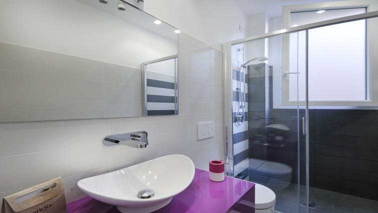 Sink at Olmetto Apartment - Citybase Apartments
