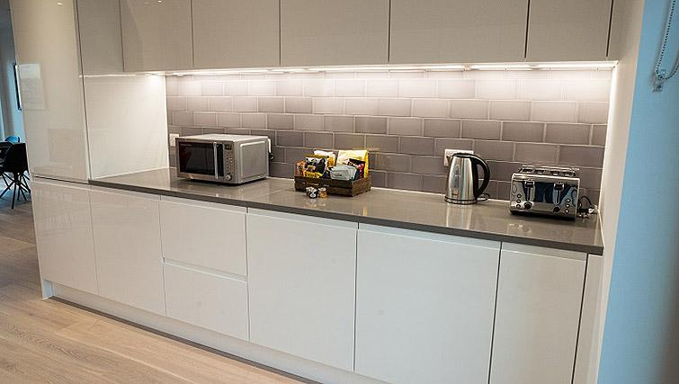 Equipped kitchen at Clarendon Masthead House - Citybase Apartments