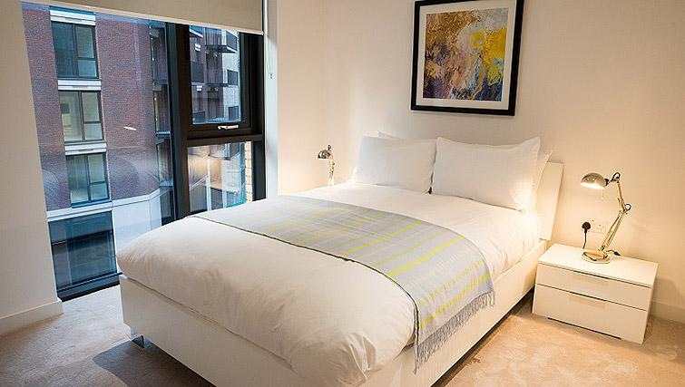 Double bedroom at Clarendon Masthead House - Citybase Apartments