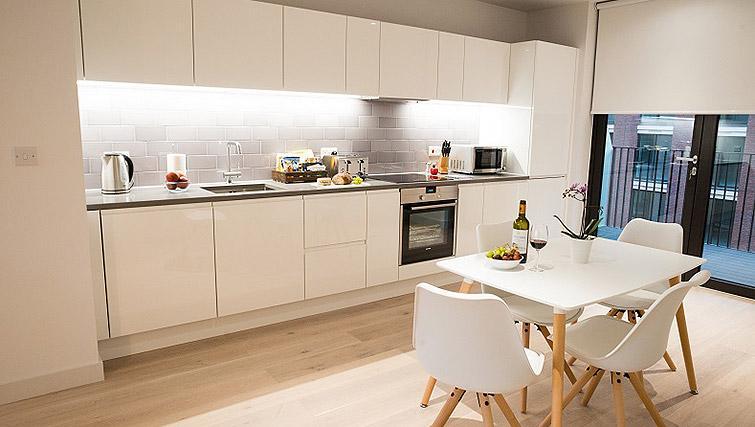 Open plan kitchen at Clarendon Masthead House - Citybase Apartments