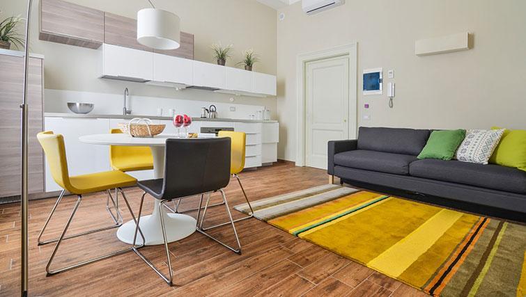 Living area at Bohème-6 Apartment - Citybase Apartments