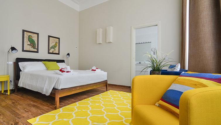 Bed at Bohème-6 Apartment - Citybase Apartments