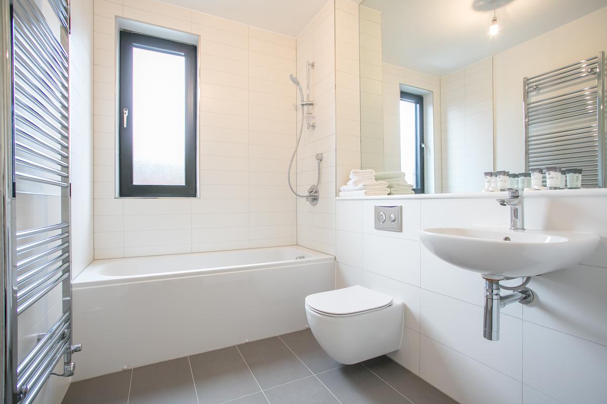 Bath at Hanover Mills Apartments, North Wall, Dublin - Citybase Apartments