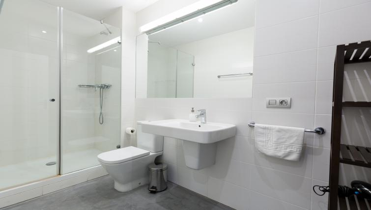 Bathroom at Park Guell Apartments - Citybase Apartments