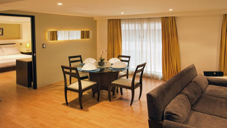 Dining room at the Grand Chapultepec Residencial - Citybase Apartments
