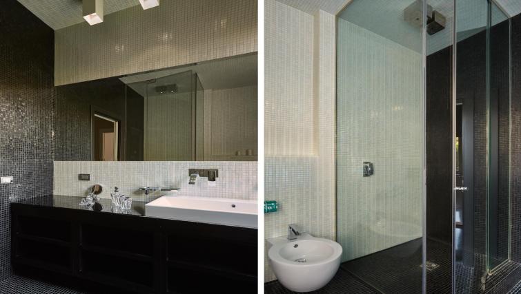 Bathroom at Turati Apartment - Citybase Apartments