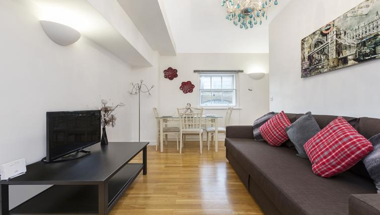Living room at the Kings Cross Apartment - Citybase Apartments