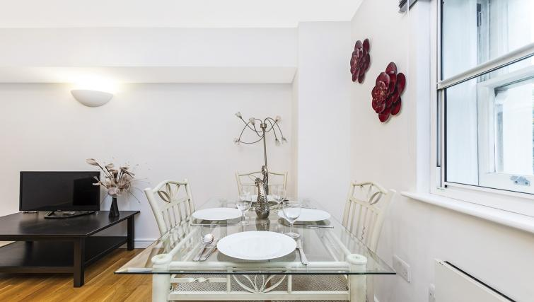 Dining table at the Kings Cross Apartment - Citybase Apartments