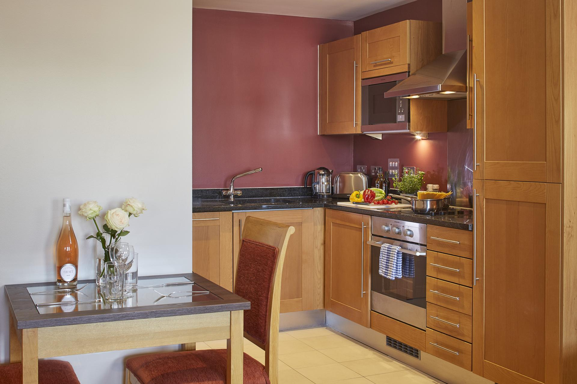 Kitchen at Limehouse Apartments, Limehouse, London - Citybase Apartments