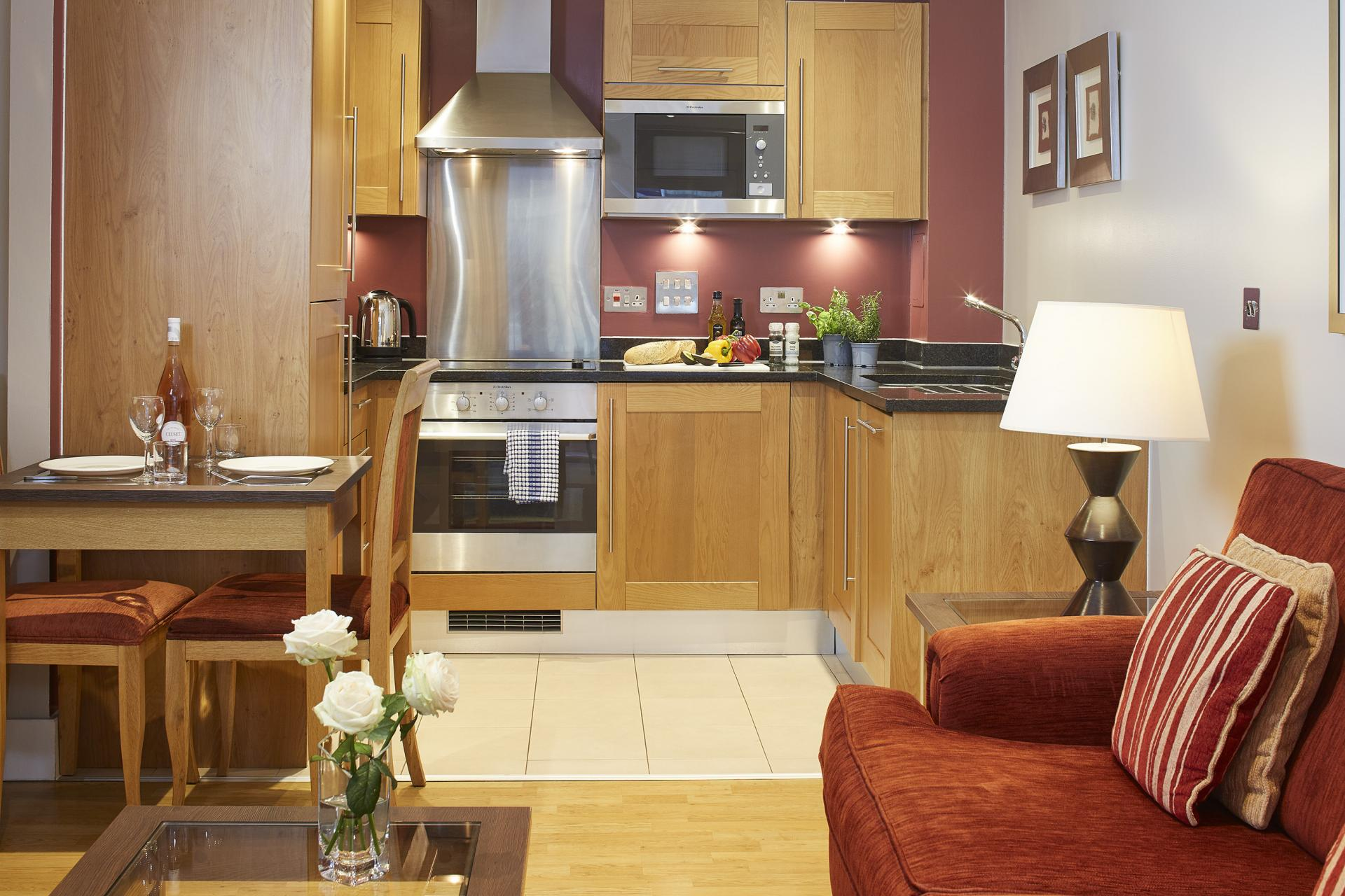 Dining area at Limehouse Apartments, Limehouse, London - Citybase Apartments