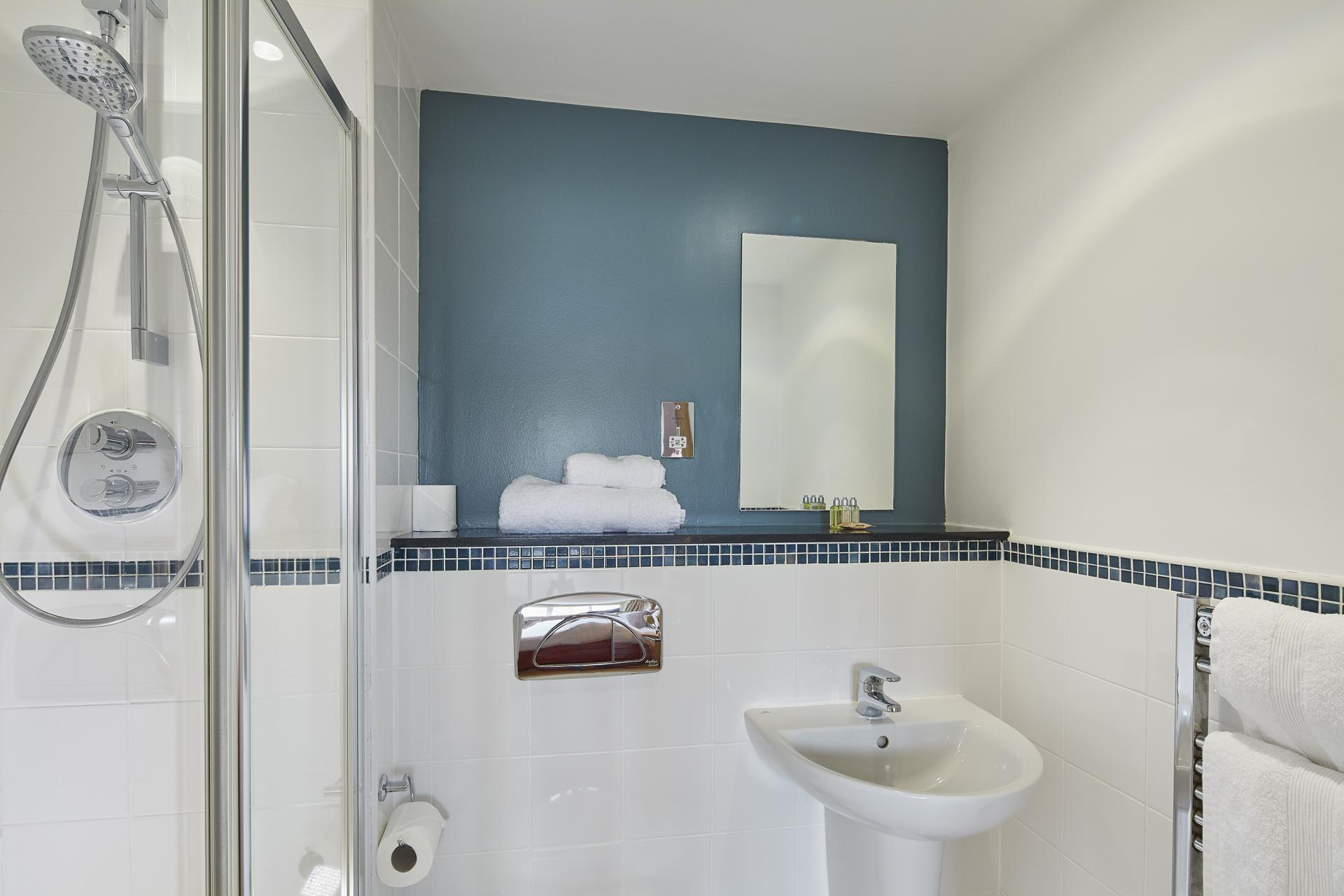Bathroom at Limehouse Apartments, Limehouse, London - Citybase Apartments