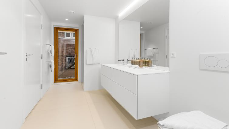 Bathroom at the STAY Kastellet Apartments - Citybase Apartments
