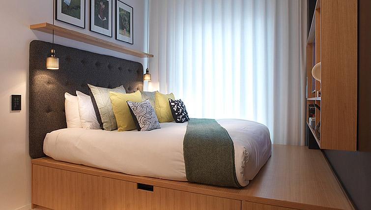 Bed at the Wilde Aparthotel by Staycity - The Strand - Citybase Apartments