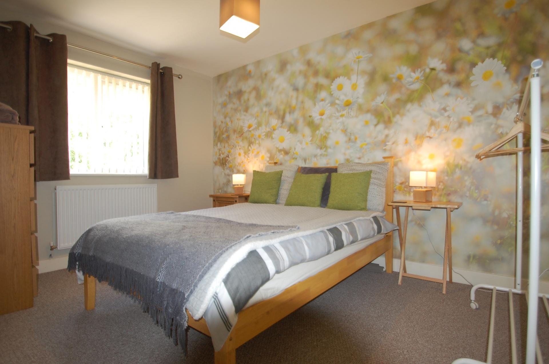 Double Bed at Cosy Dragon @ Tanglewood House - Citybase Apartments
