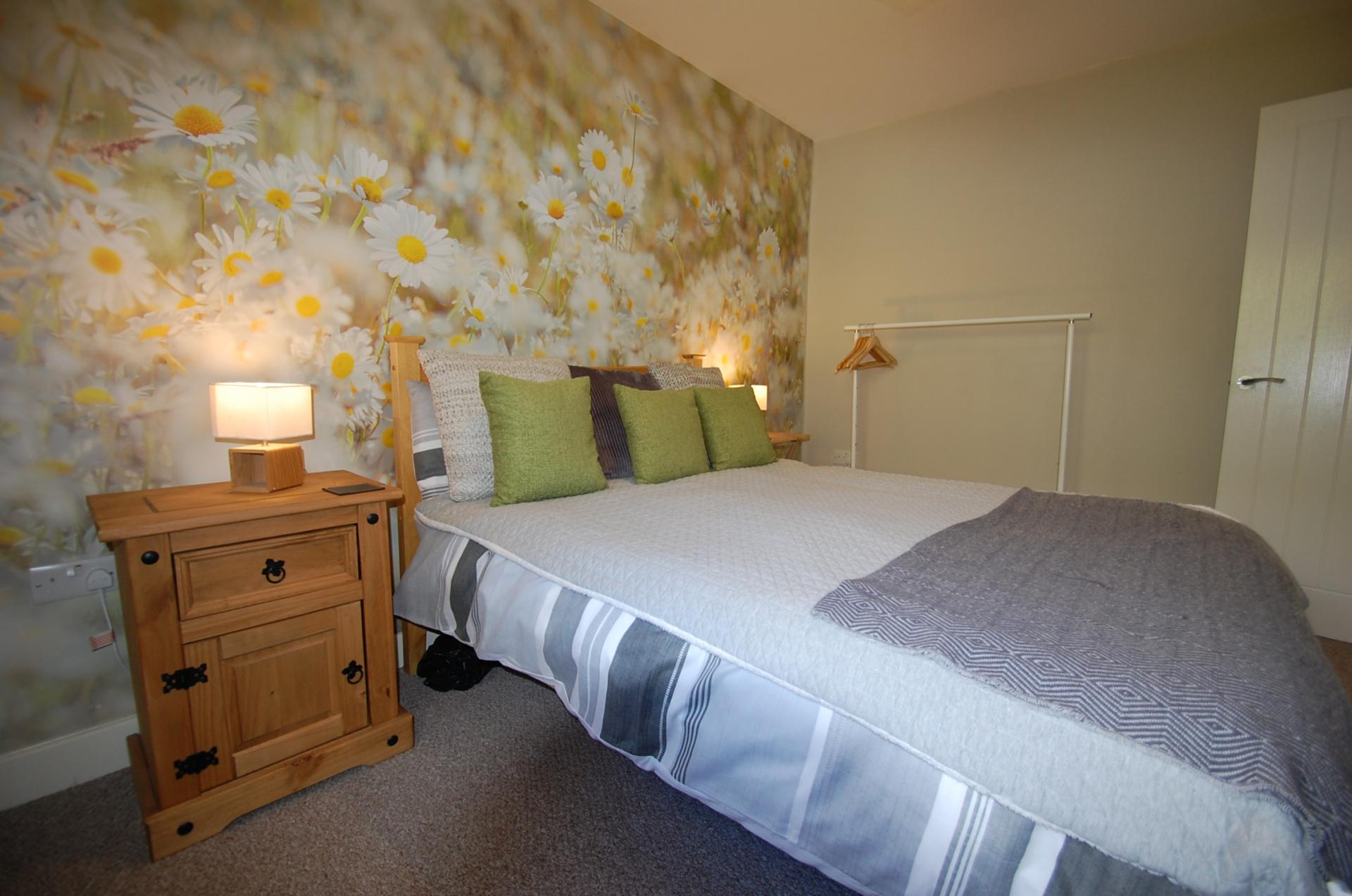 Comfy Bed at Cosy Dragon @ Tanglewood House - Citybase Apartments
