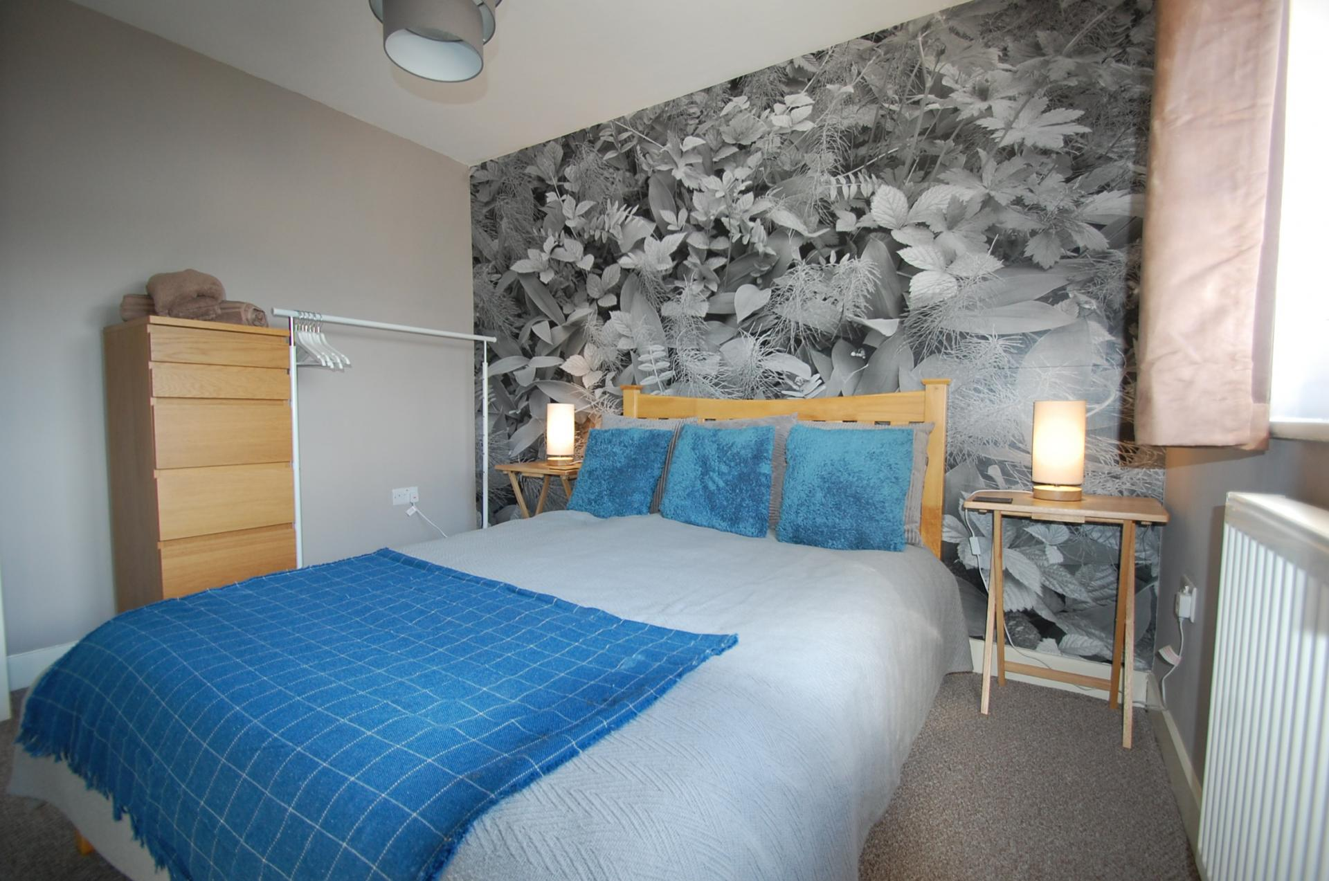 Bedroom Furniture at Cosy Dragon @ Tanglewood House - Citybase Apartments