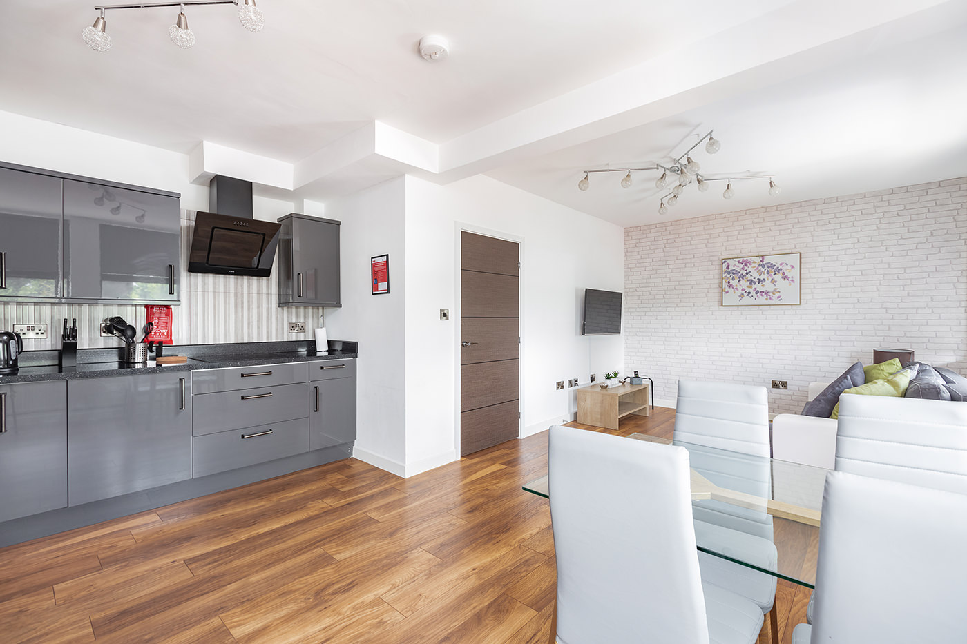 Dining at Manhattan Heights Apartments, Centre, Maidstone - Citybase Apartments