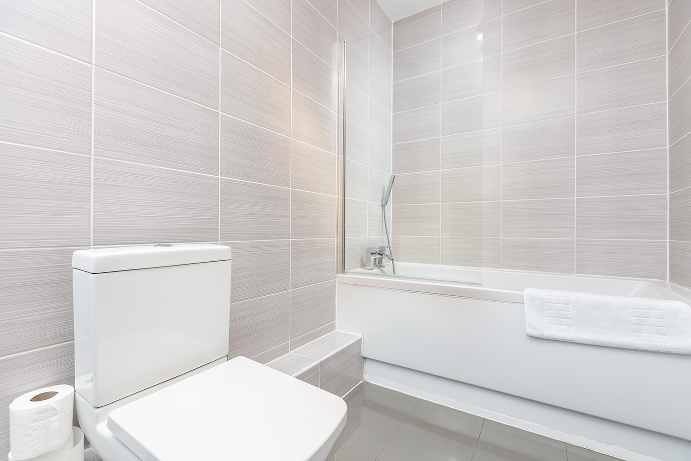 Bathroom at Manhattan Heights Apartments, Centre, Maidstone - Citybase Apartments