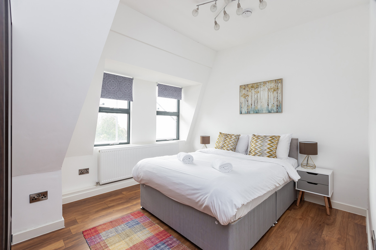 Double bed at Manhattan Heights Apartments, Centre, Maidstone - Citybase Apartments