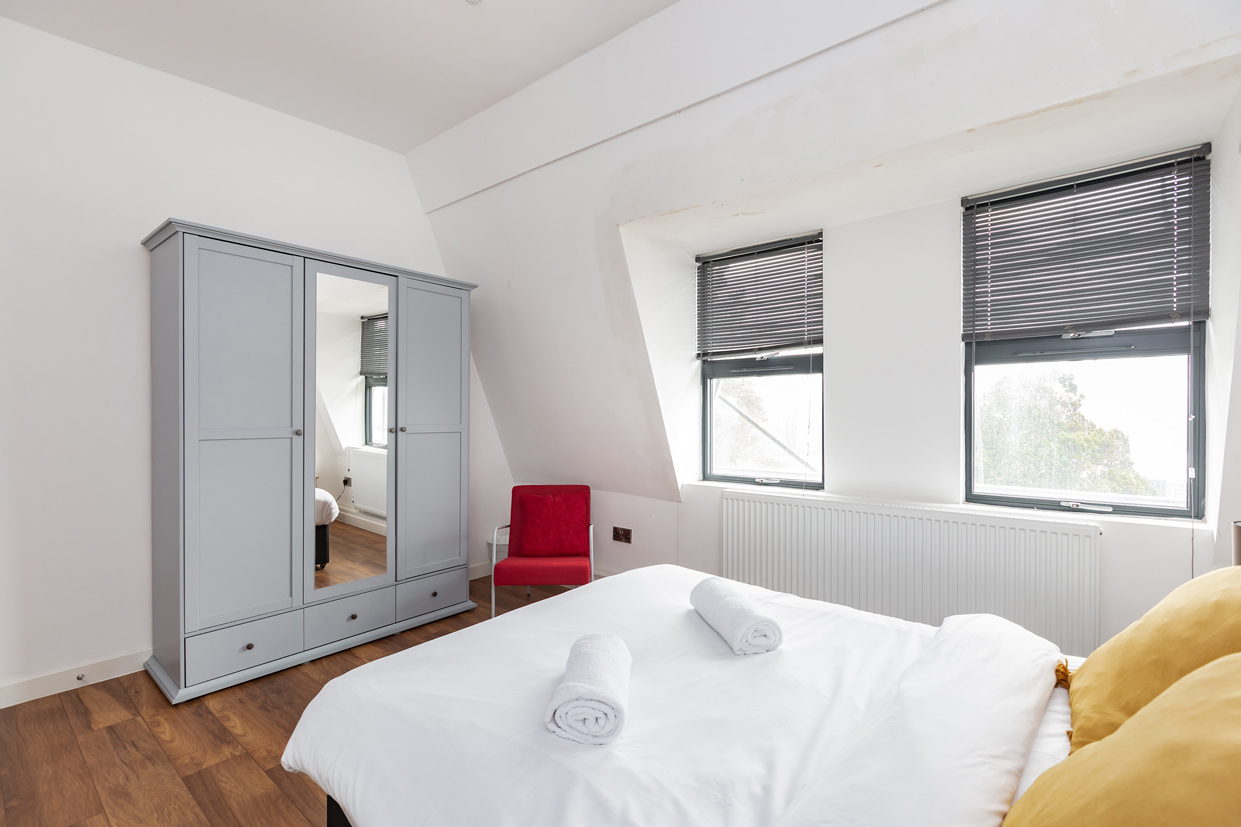 White bedding at Manhattan Heights Apartments, Centre, Maidstone - Citybase Apartments