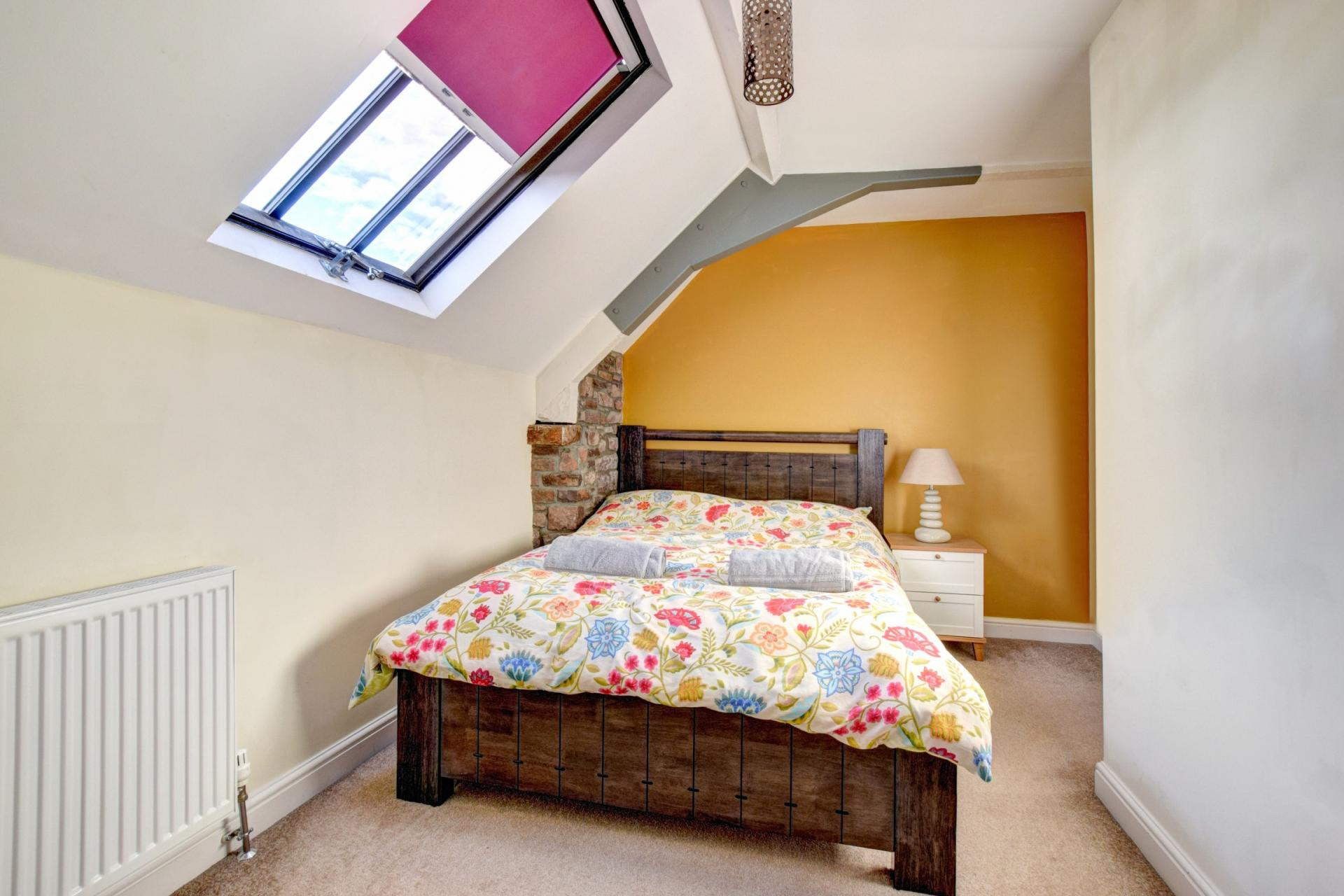 Bedroom at Sherlock Holmes Apartments - Citybase Apartments