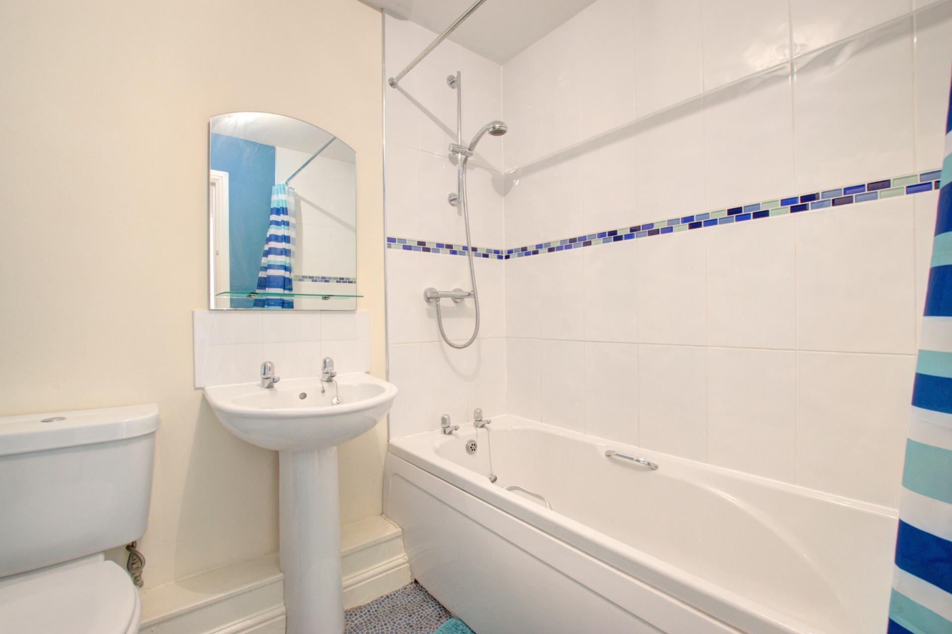 Toilet at Sherlock Holmes Apartments - Citybase Apartments