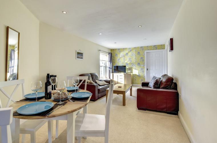 Living space at Sherlock Holmes Apartments - Citybase Apartments