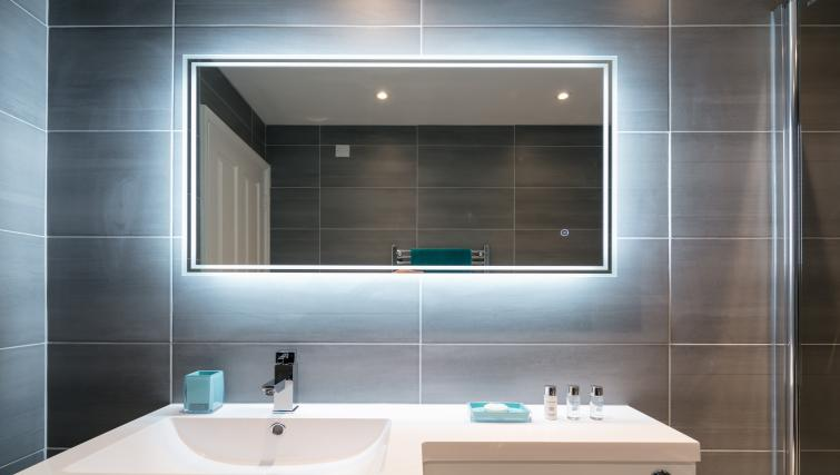 Modern bathroom at The Riverside Apartment - Citybase Apartments