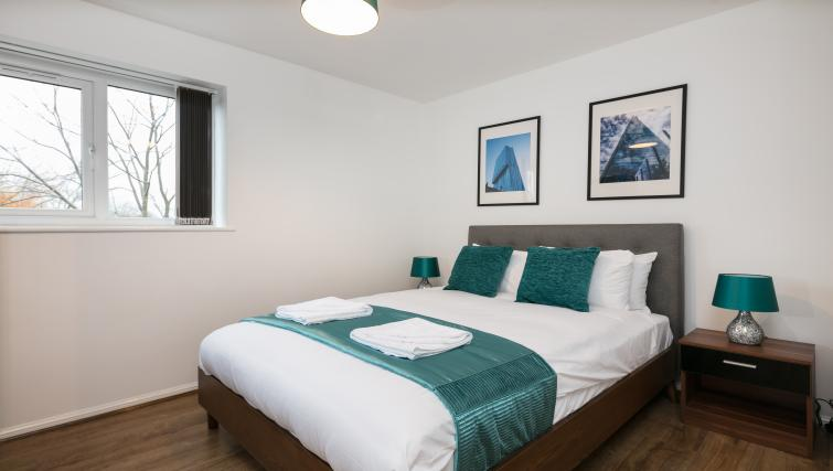 Double bed at The Riverside Apartment - Citybase Apartments