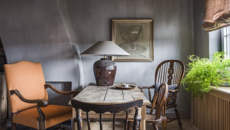 Table at the Katelijne Apartment - Citybase Apartments