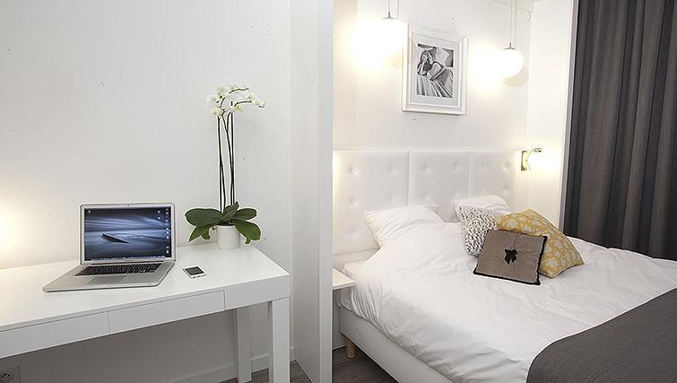 Bright studio at Calm Apparthotel - Citybase Apartments