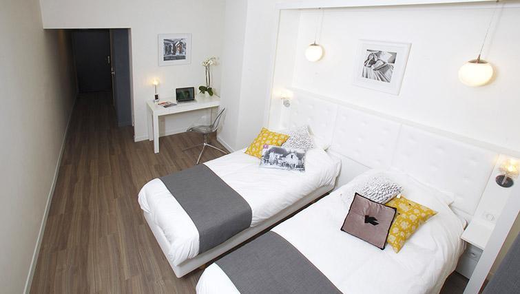 Open plan studio at Calm Apparthotel - Citybase Apartments