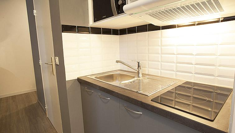 Kitchen at Calm Apparthotel - Citybase Apartments