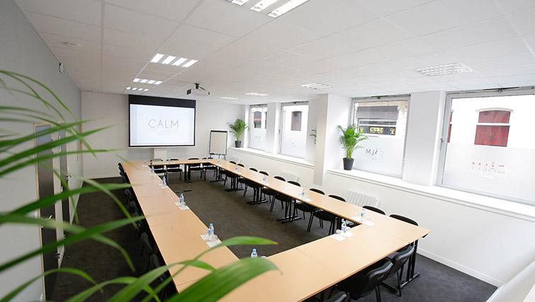 Conference room at Calm Apparthotel - Citybase Apartments