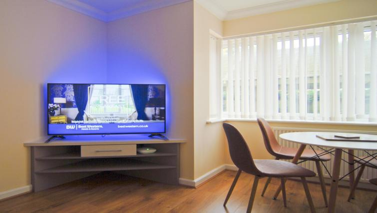 TV at Room and Roof Southampton Apartments - Citybase Apartments