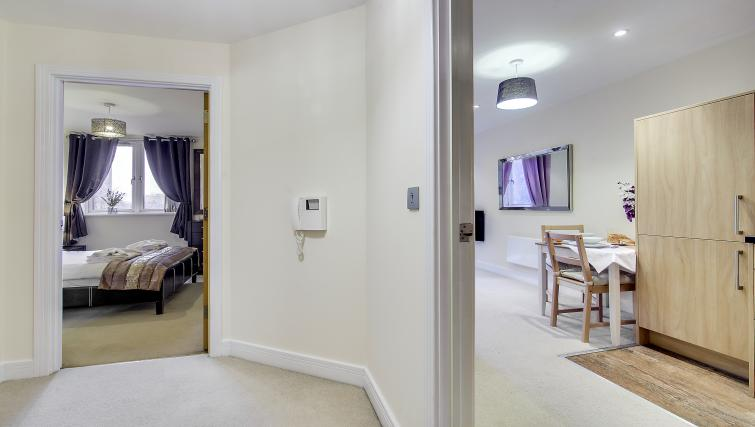 Double bed at The Corporate Apartment - Citybase Apartments