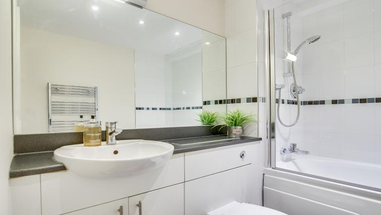 Bathroom at The Corporate Apartment - Citybase Apartments