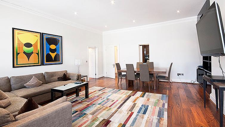 Beautiful living area at 20 Hertford Street Apartments - Citybase Apartments